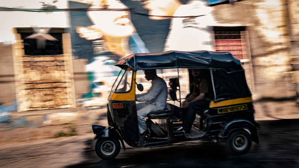 Rikscha rushing through Chapel Road in Bandra, Mumbai, India