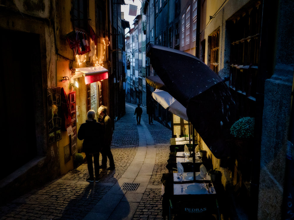 food hunting in the narrow alleys
