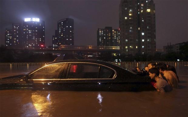 beijing-floods-2_2284212i.jpeg