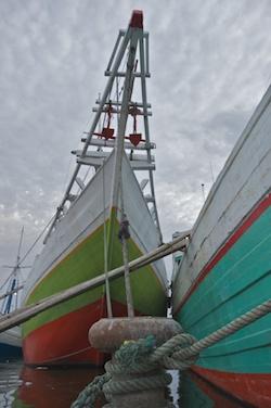 Sunda Kelapa harbour. Traditional style cargo ships. Jakarta, Indonesia -- 23 April 2009 Photo © Basil Rolandsen (http://bouvetmedia.com)