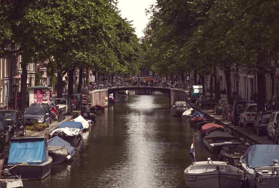 תעלה באמסטרדם - Polaroid 600
