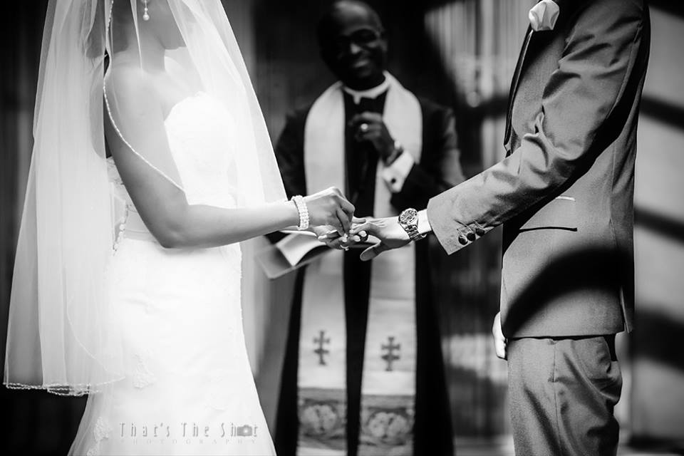 Wedding at Brighton Savoy reception.  Photography by Melbourne Wedding Photographer.