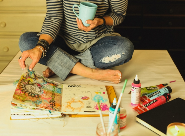Three Ways Art Journaling Enriches Your Life with Roben-Marie Smith. Creative journals take it a step further by giving us the ability to explore our own thoughts, plans and document our lives in a more visual way. @robenmarie