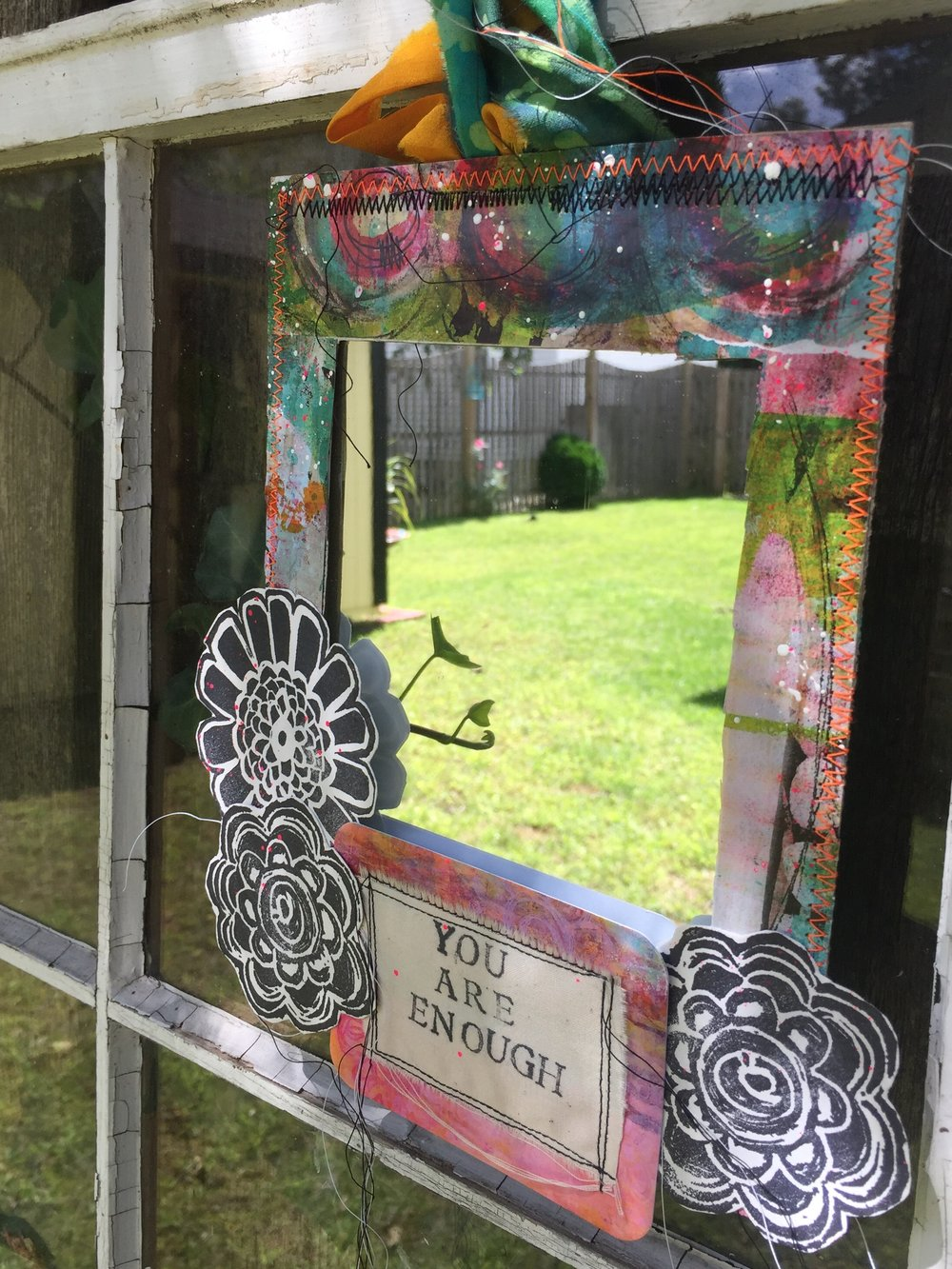 Design Team member Krisit Nazzaro is sharing with us how she has made this beautful and empowering positive affirmations mirror for her latest project. Create your own powerful piece for yourself or someone special in your life. She uses stamps from Paperbag Studios and Art Pops™ to create this gorgeous piece of Art! @robenmarie @krisitmazzaro #robenmarie #robenmariedesignteam #paperbagstudios #artpops #mixedmedia #diy