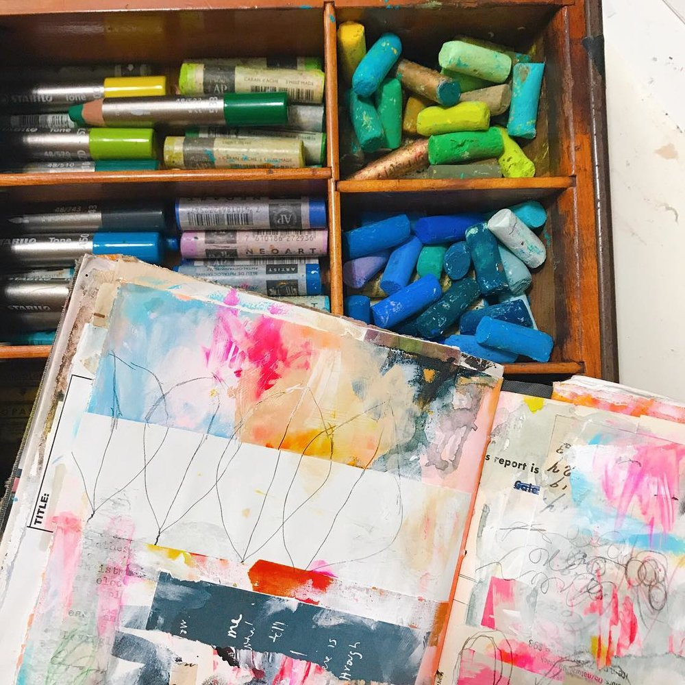 Crushing on These Five Art Supplies article by Roben-Marie Smith #robenmarie #robenmariesmith #artsupplies #artjournal #artistpastels #techsavvyartist @robenmarie