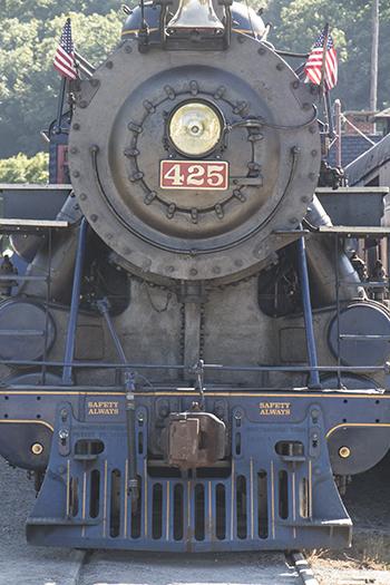 9 10 raw train in jim thorpe pa.jpg
