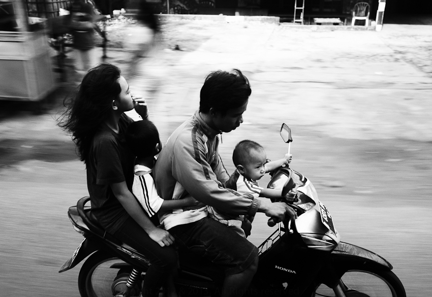 Family on a Scooter, Jakarta Selatan, March 2013