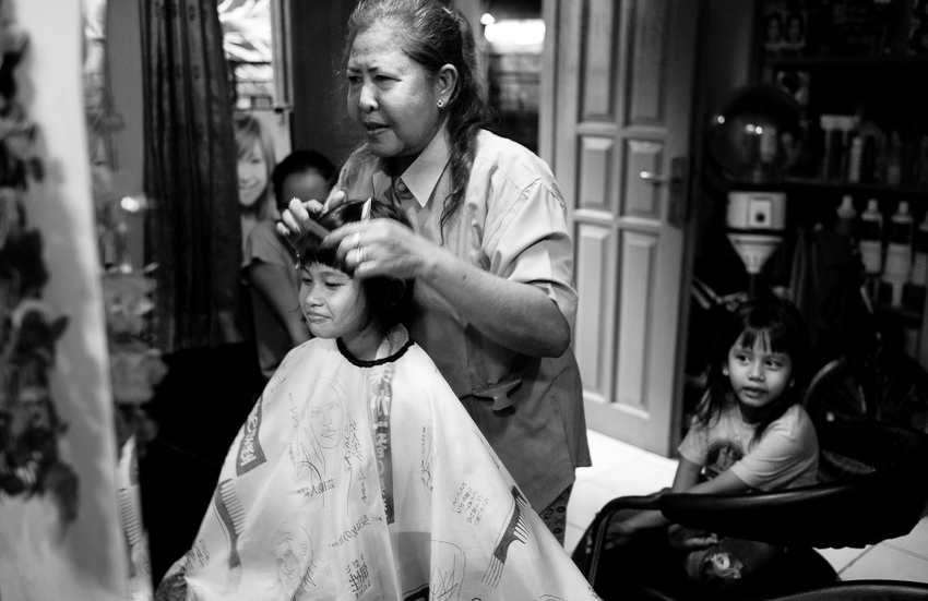 Kamila at Tante Rambut Merah's salon