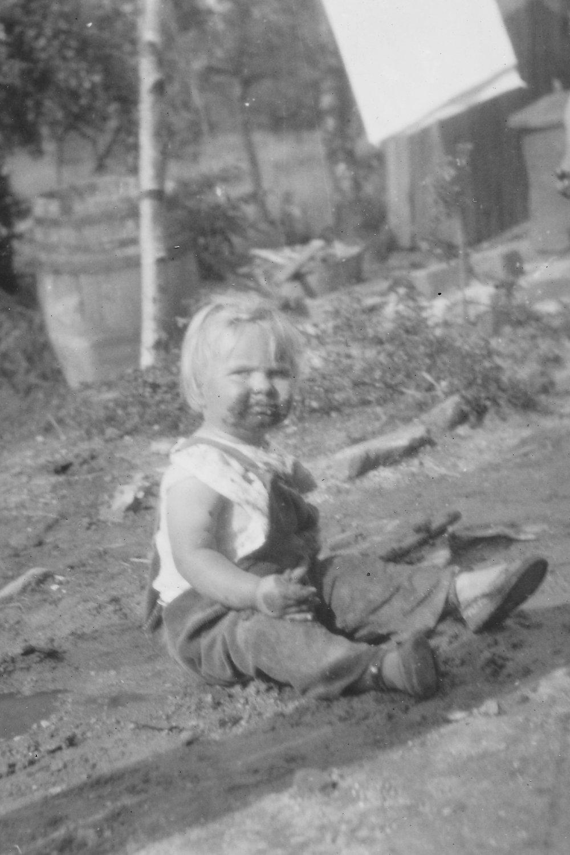 1943 Paul copy.jpg