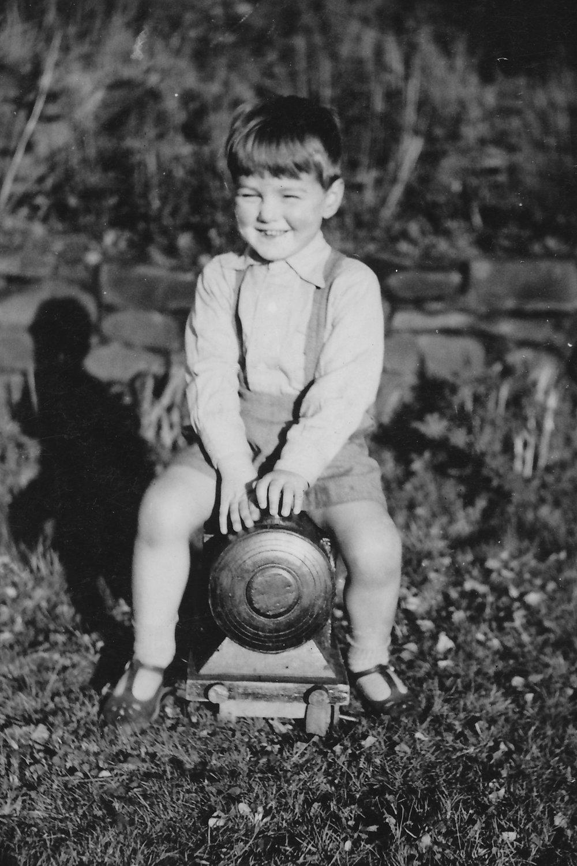 1944 Paul.jpg