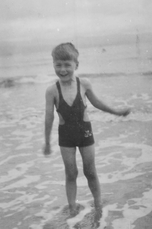 1945 Paul.jpg