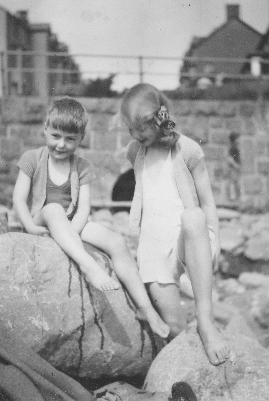 1946 Paul + Jan.jpg
