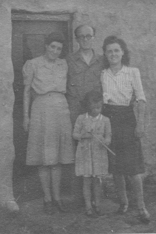 1945 Gill Greg Dick Hetty.jpg