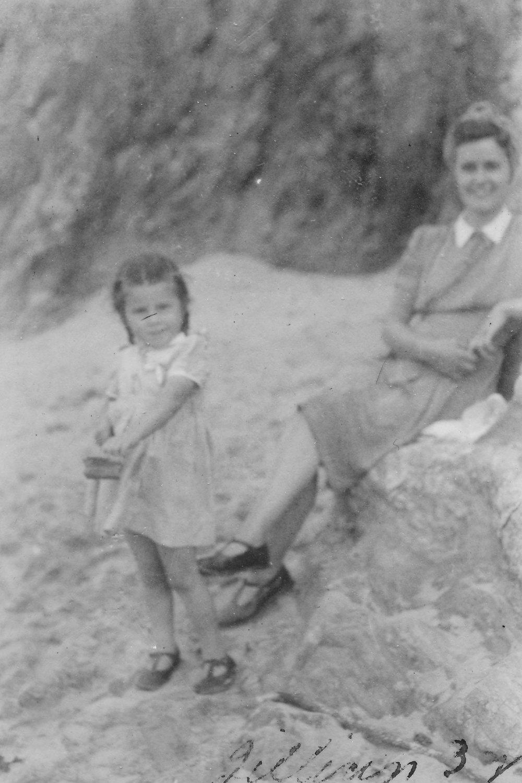 1945 Gill Hetty.jpg