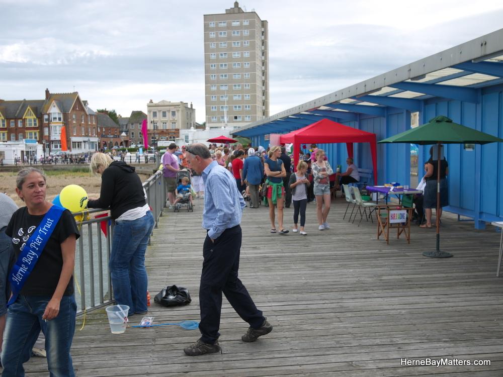 2011 Festival Sat 20th-10.jpg