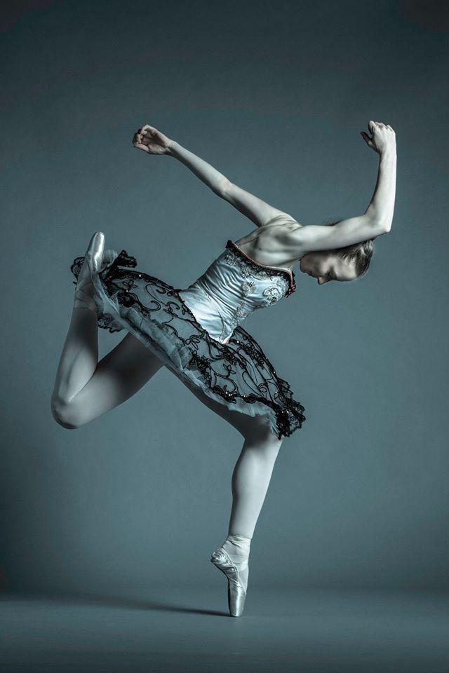eli-akerstein-dancer-juls-bicki2.jpg