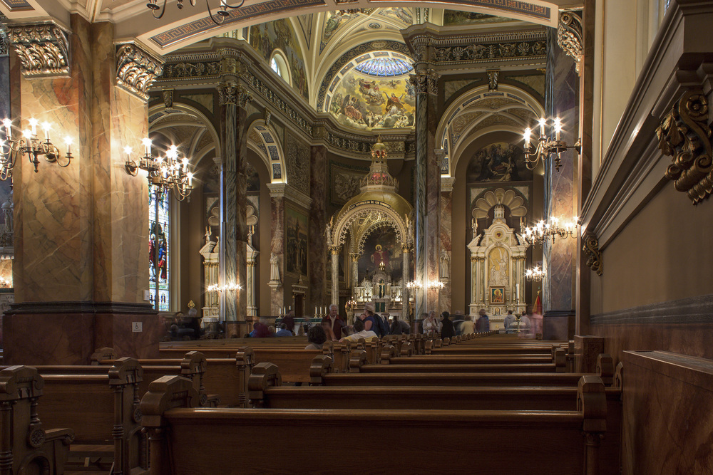Milwaukee_Basilica-1.jpg