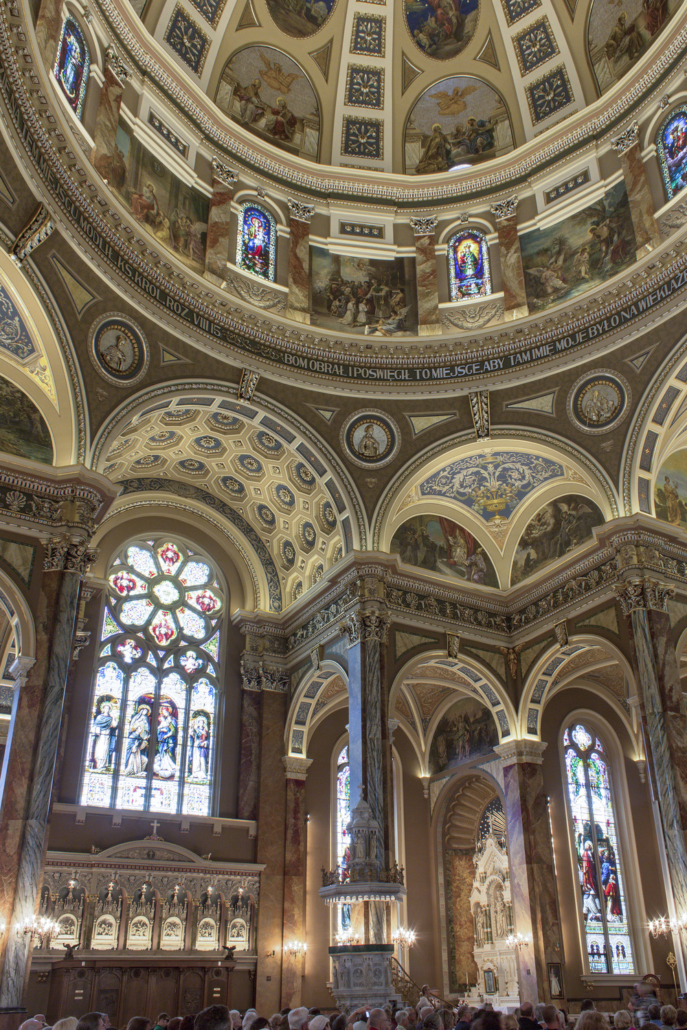 Milwaukee_Basilica-4.jpg