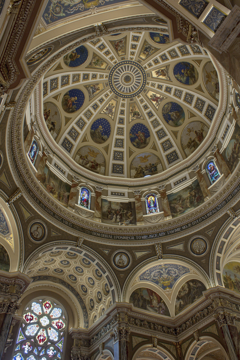Milwaukee_Basilica-5.jpg