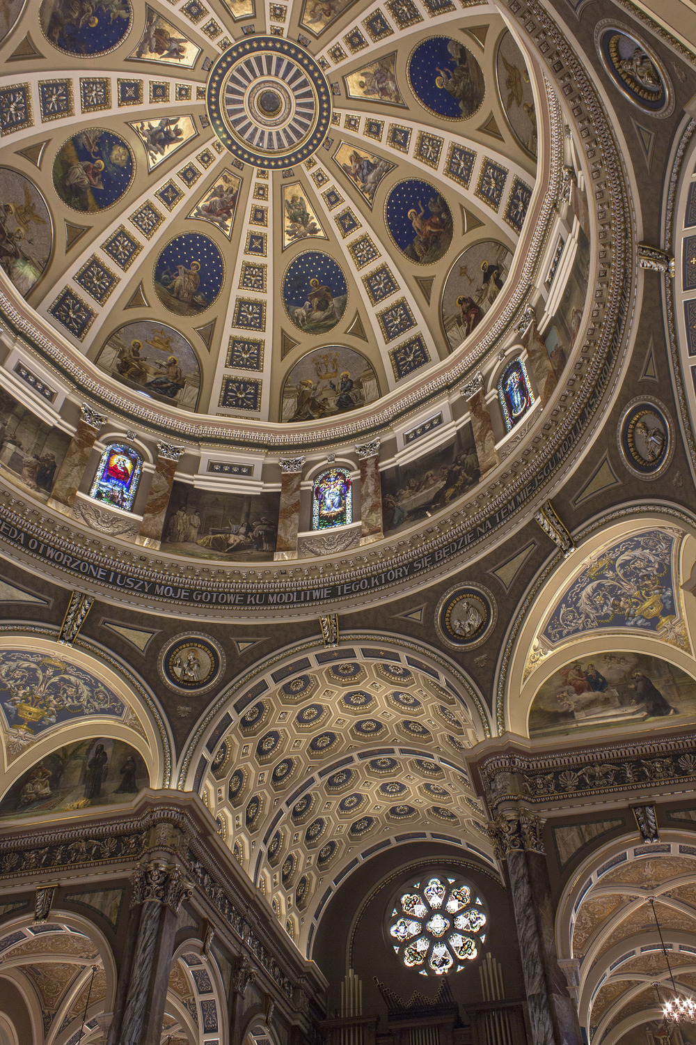 Milwaukee_Basilica-16.jpg