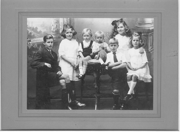 The 7 children of Alfred and Florence Anderson (see Gallery for details)