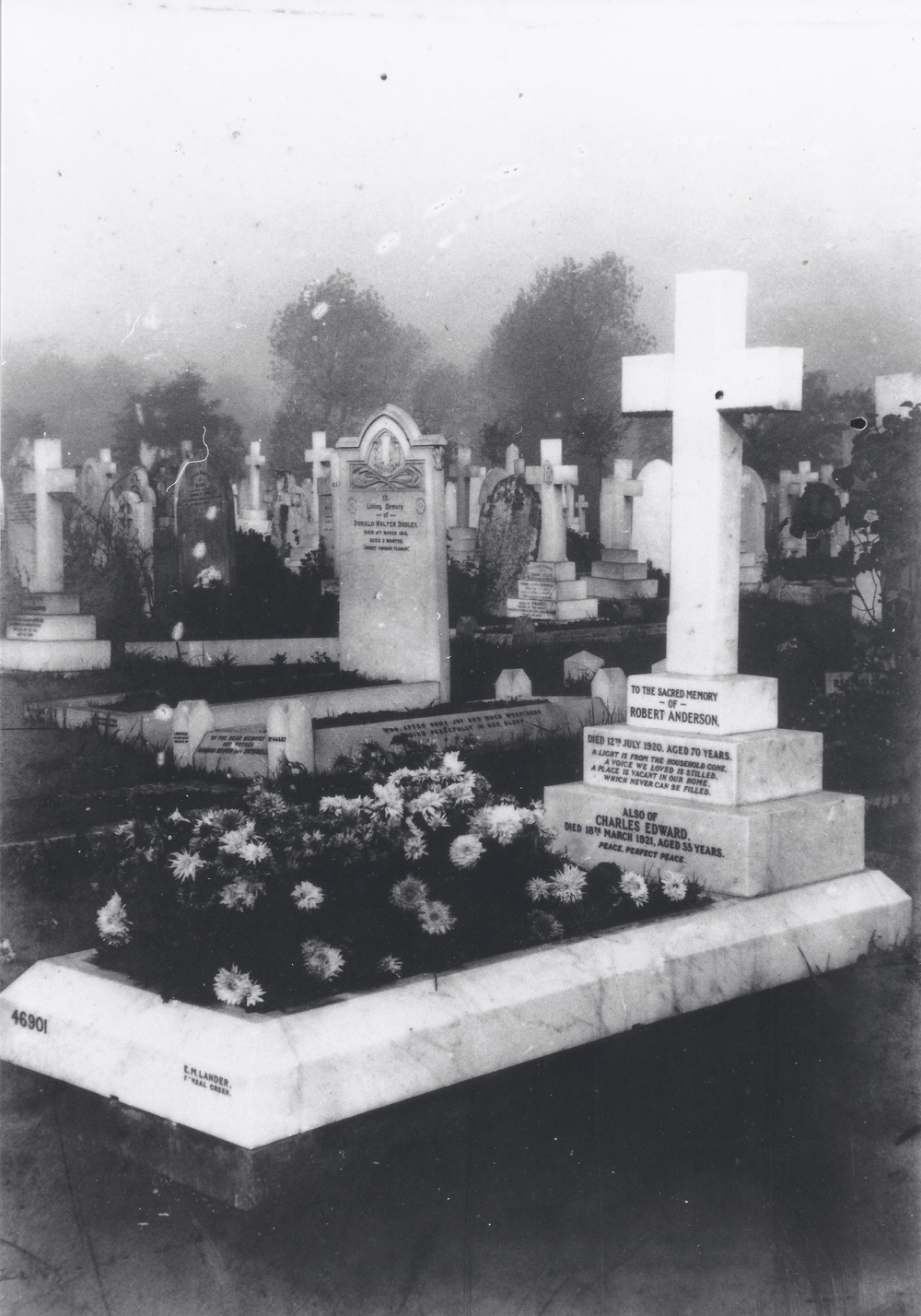 Graves of Robert Jnr. Anderson and Three Children