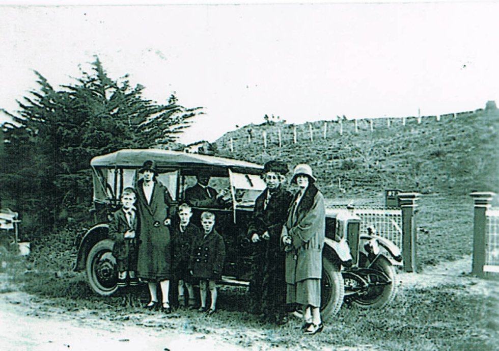 Three Generations of the Anderson Family in Wanganui, New Zealand, 1926/7