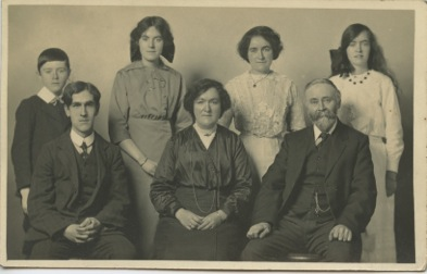 Annie Rhoda Johnston (formerly Thomas) and her Family