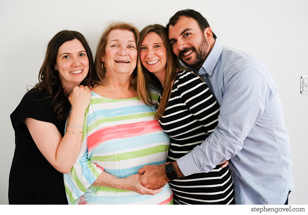 extendedfamilyphotonj07.jpg