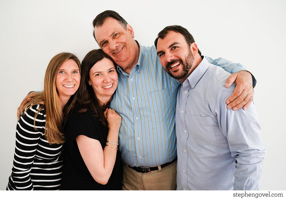 extendedfamilyphotonj08.jpg
