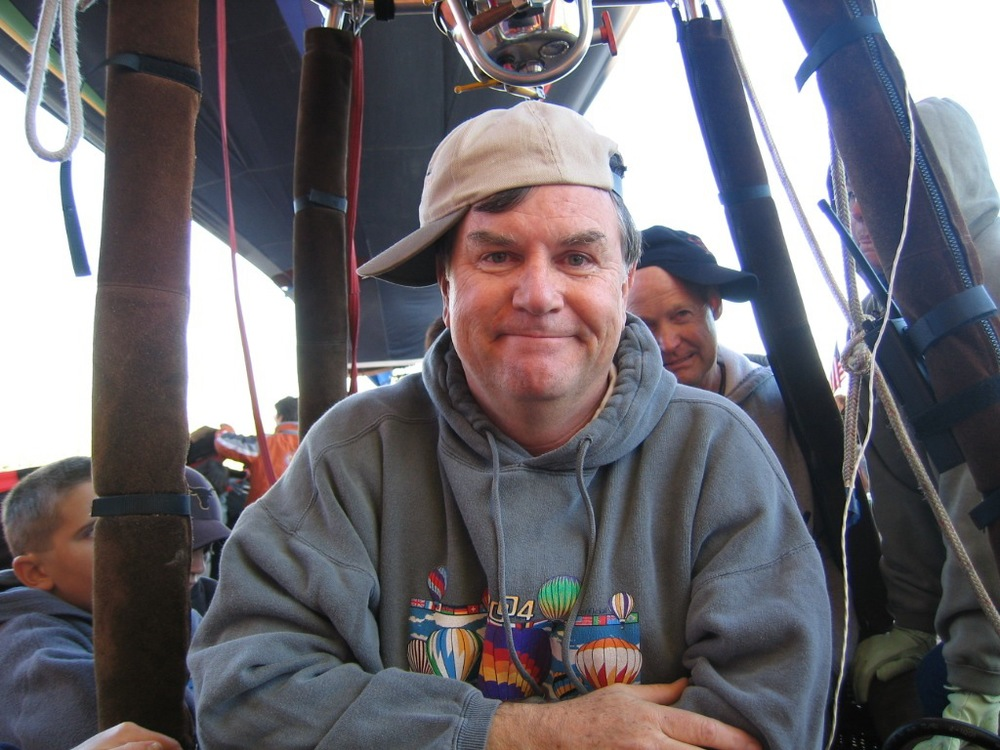 I was exhausted after 9 days of flying in Albuquerque in 2004. That is the late Kerry Bryan behind me. Photo by Kaye Campbell