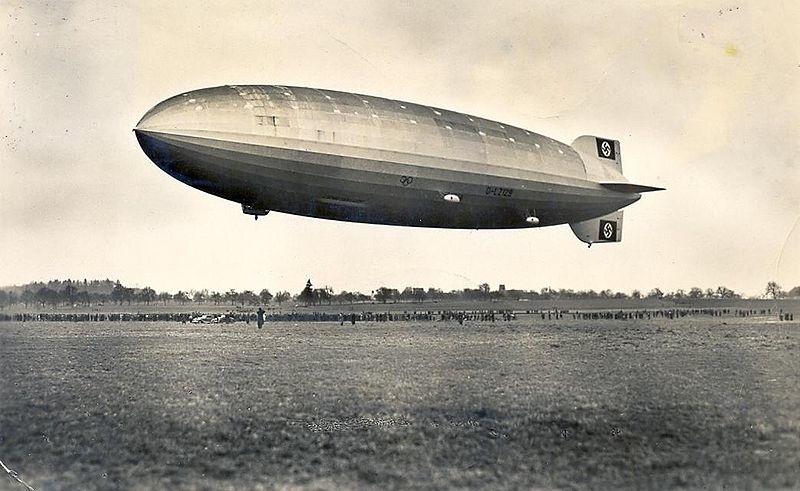 zeppelin_postkarte_1936.jpg