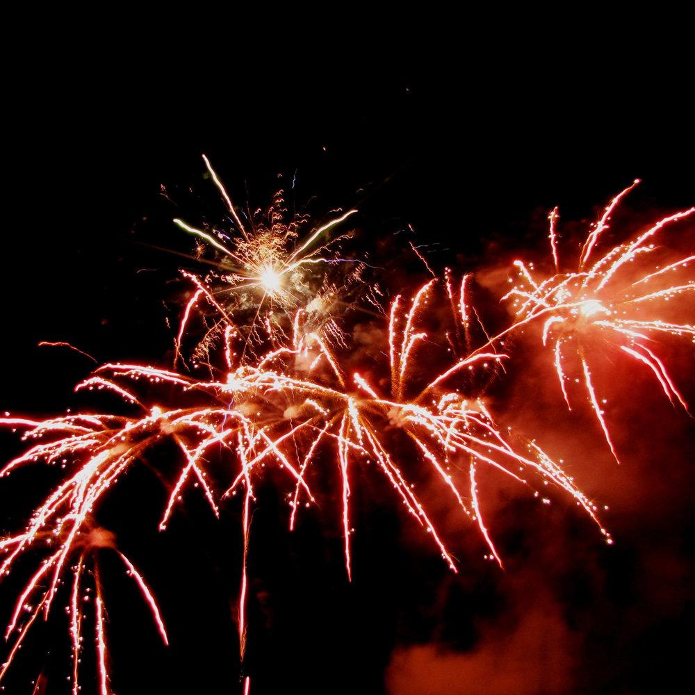 newyearsfireworks.jpg