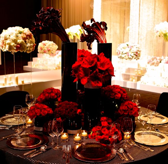 Jeff Leatham floral design Christmas Four Seasons George V Paris.jpg