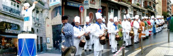 La Tamborrada cooks drumming on the street.jpg
