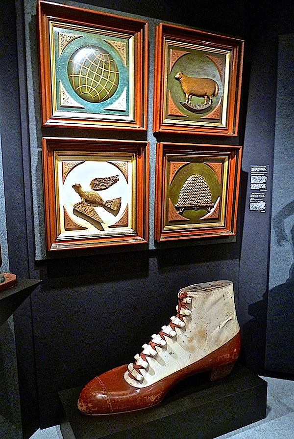 Stunning is the word for Al's oversized shoe sculpture from the streets of Albany (it sold to a western client and will be displayed in their contemporary house, mounted on a white pedestal).