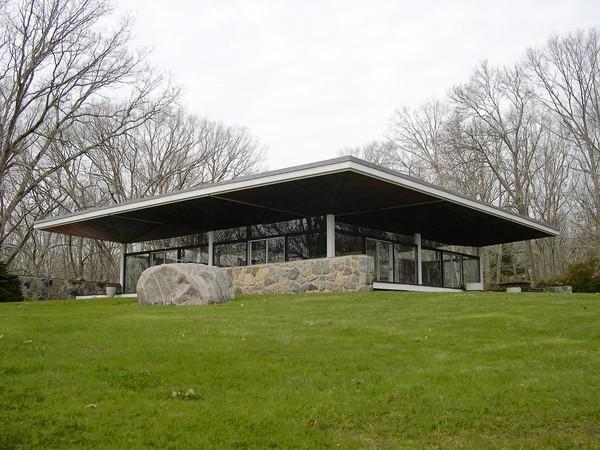 Essex glass house designed by Ulrich Franzen 1956.jpg