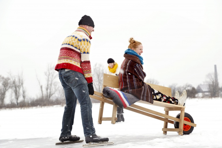 winter-ice-skating-using-weltevree-wheelbench.jpg