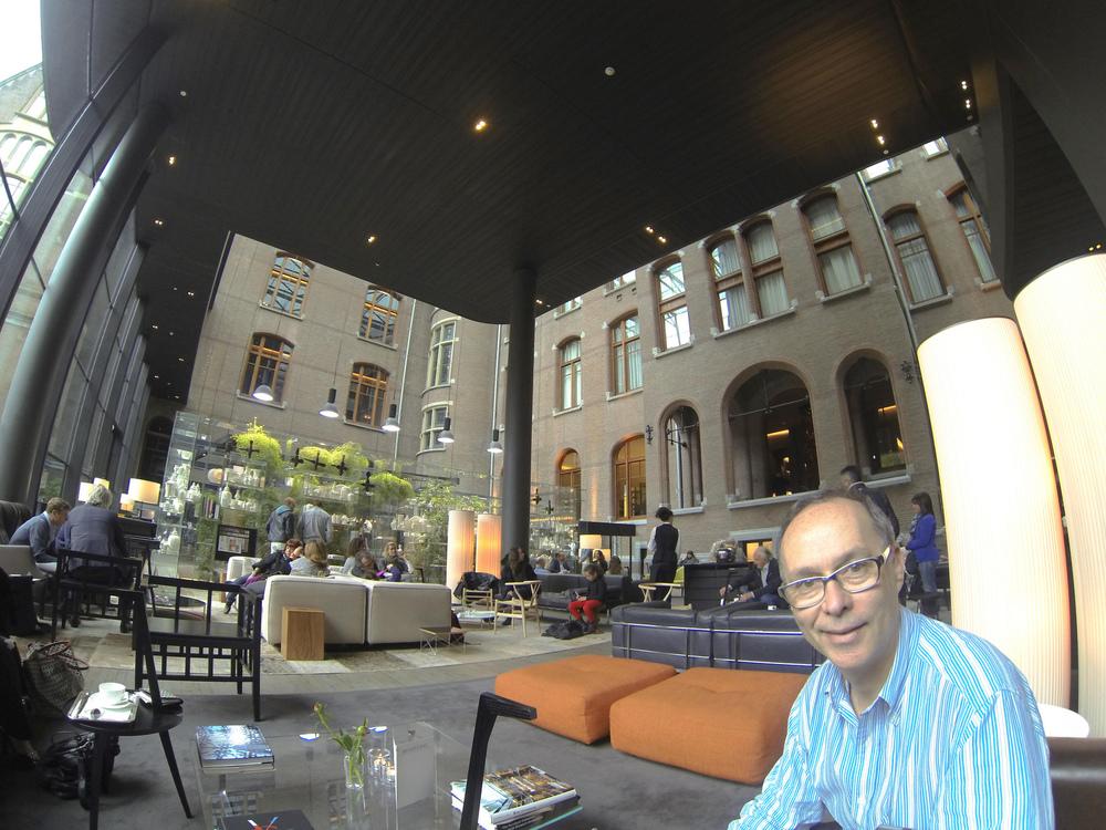 Irwin-Weiner-lobby-Conservatorium-Hotel-Amsterdam.jpg