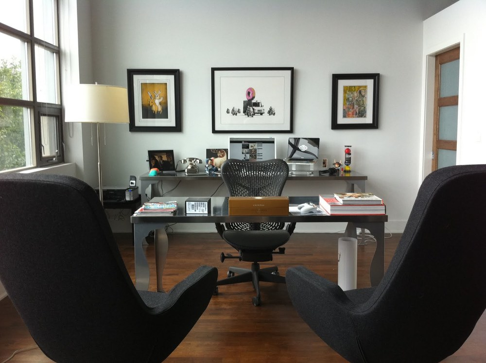 Lovely home office setup (click on the photo to read more about how how the great desk was made from IKEA components)