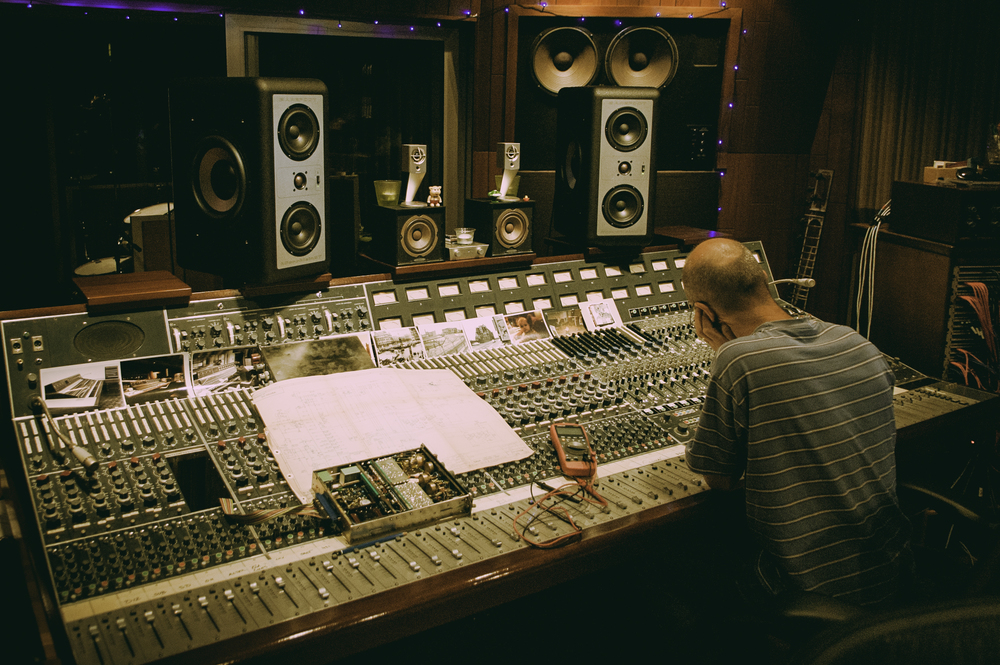 Blake in the mix room at  Hansa Tonstudios, Berlin