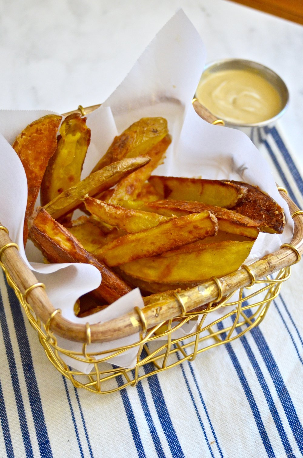 Crispy Baked French Fries | Recipe via @julinovotny #puremamas | vegan & gluten-free