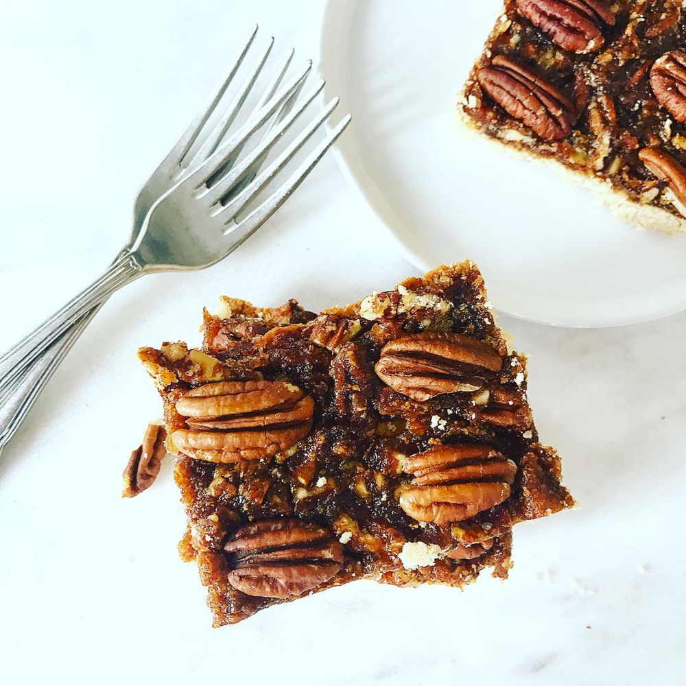 Pecan Pie Bars! Sure, sign me up! @julinovotny #puremamas | vegan + gluten-free