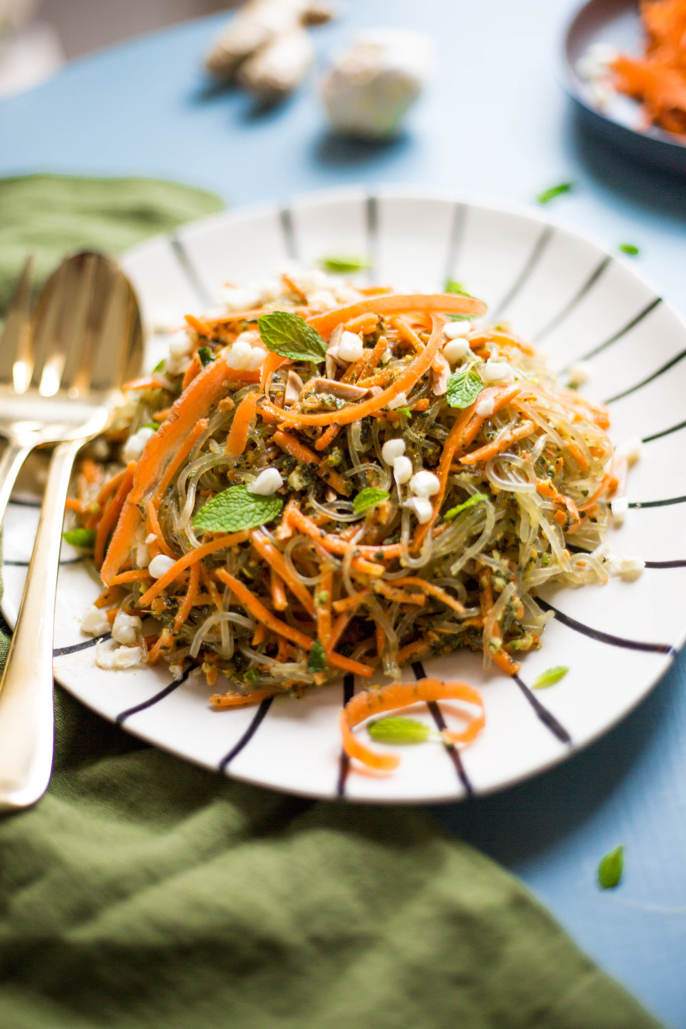 Mint & Ginger Pesto Over Kelp Noodles | #glutenfree #vegan #rawvegan @julinovotny