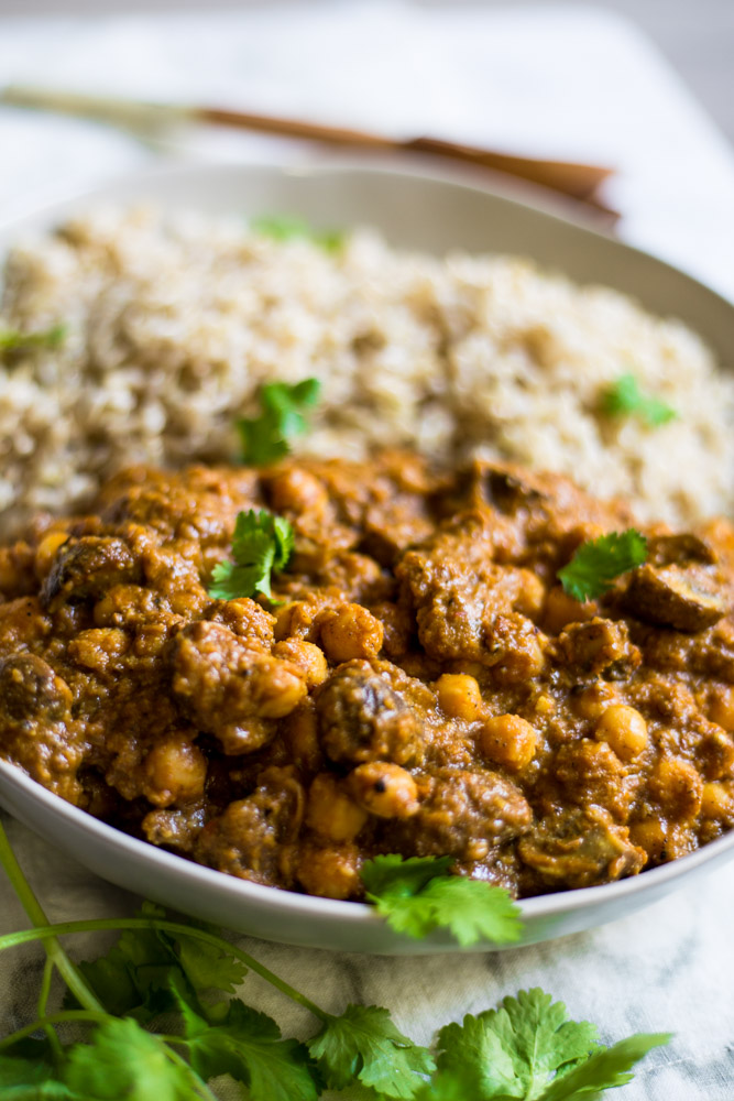 Vegan Korma | made with mushrooms & chickpeas #puremamas #purekitchenblog
