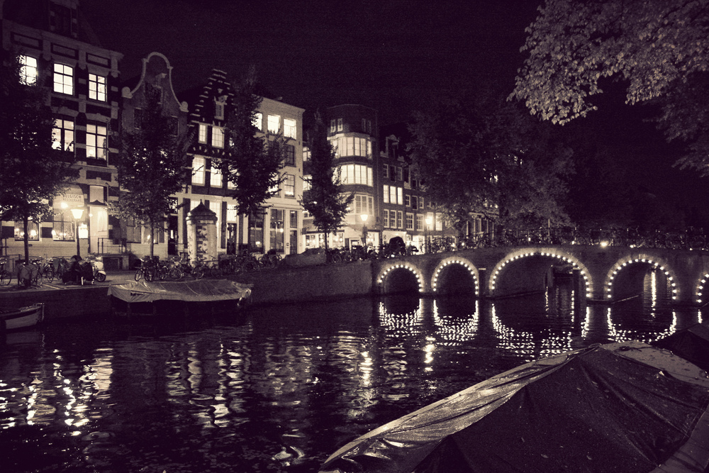 AMS_Canals-at-night_04.jpg