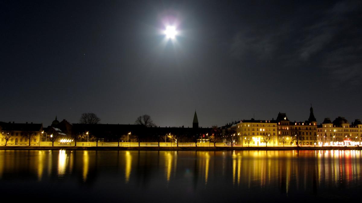 cph_moon flare.jpg