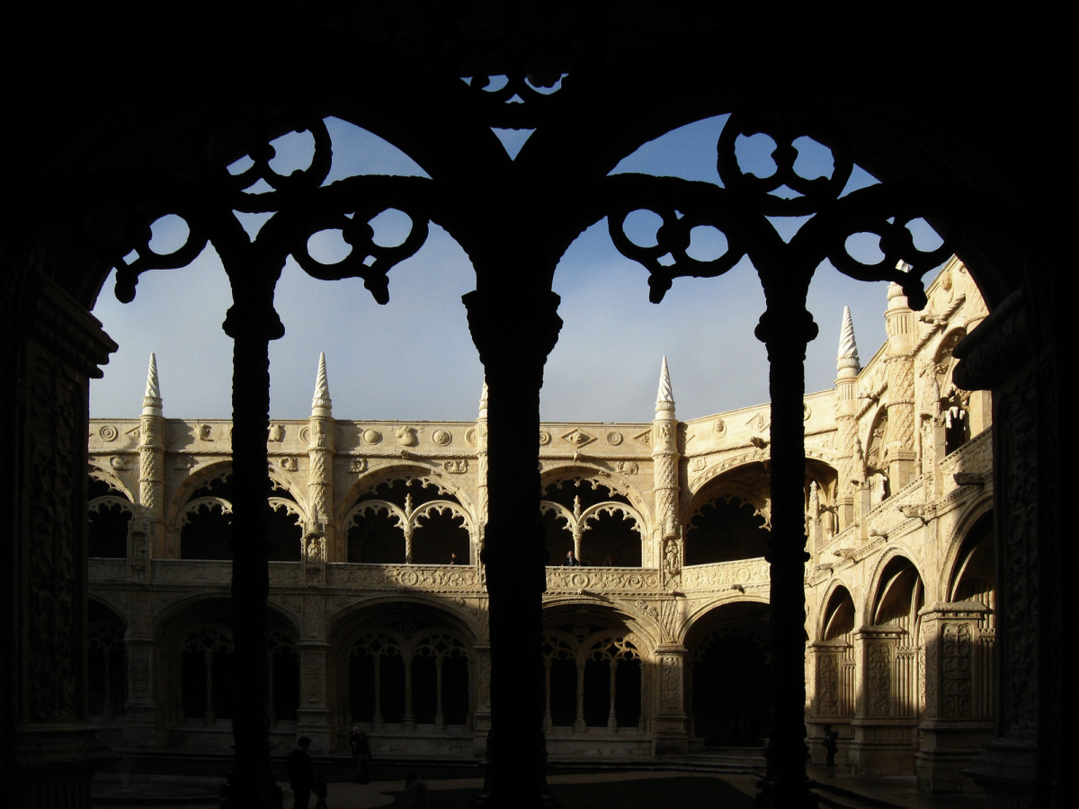 looking into the cloister, monostery of st. jeronimo, lisbon_s.jpg