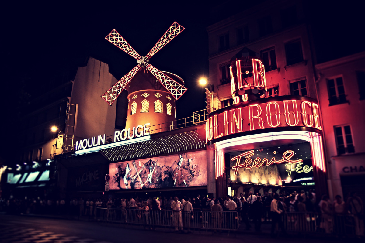 moulin rouge lomo_s.jpg