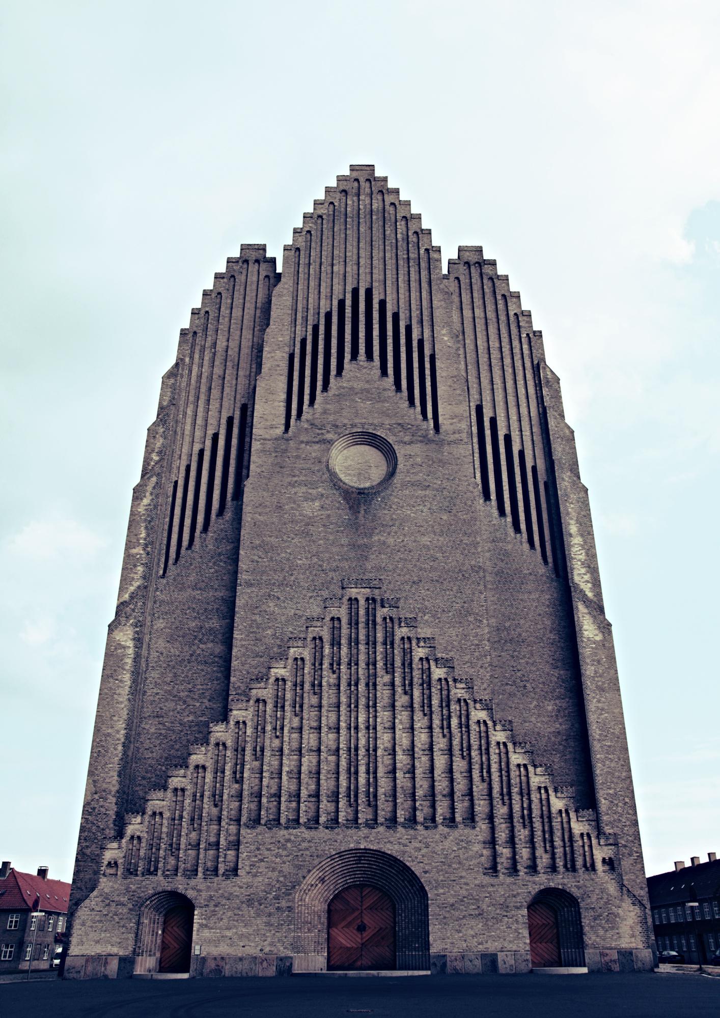 Grundvigs Kirke Front_s.jpg